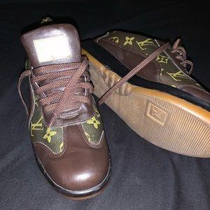 Authentic Louis Vuitton sneakers size 39 (9)